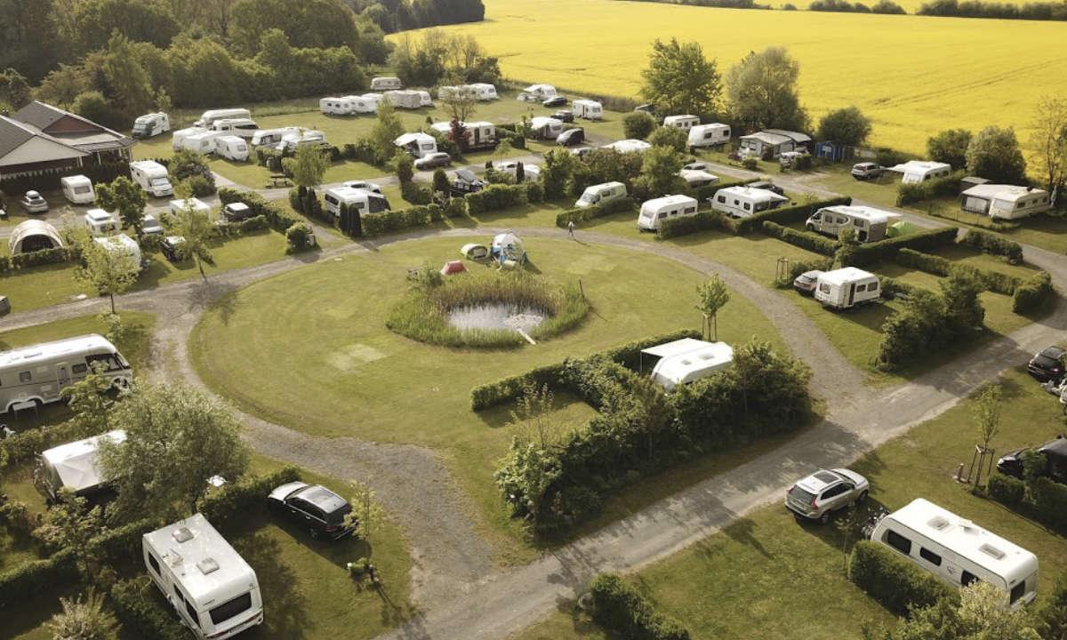 Drohnenaufnahme vom Campingplatz