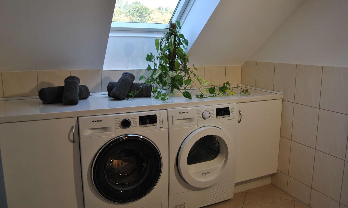 Waschmaschine und Waeschetrockner